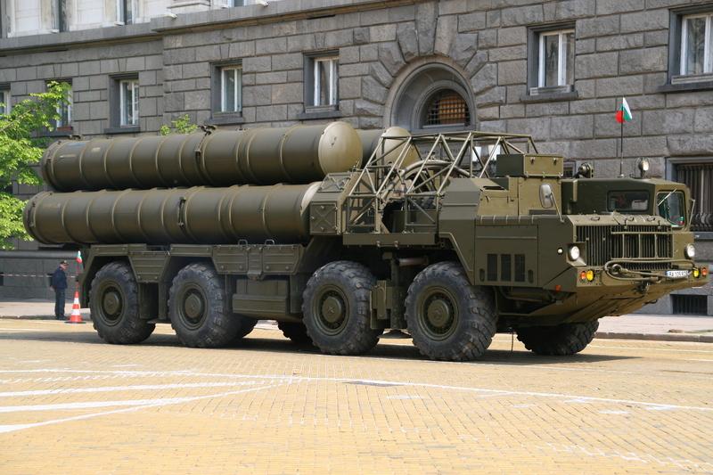 Rusya, Suriye'ye S-300 füze savunma sistemi gönderiyor