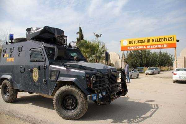 Mezarlıkta+PKK+propagandasına+polis+izin+vermedi