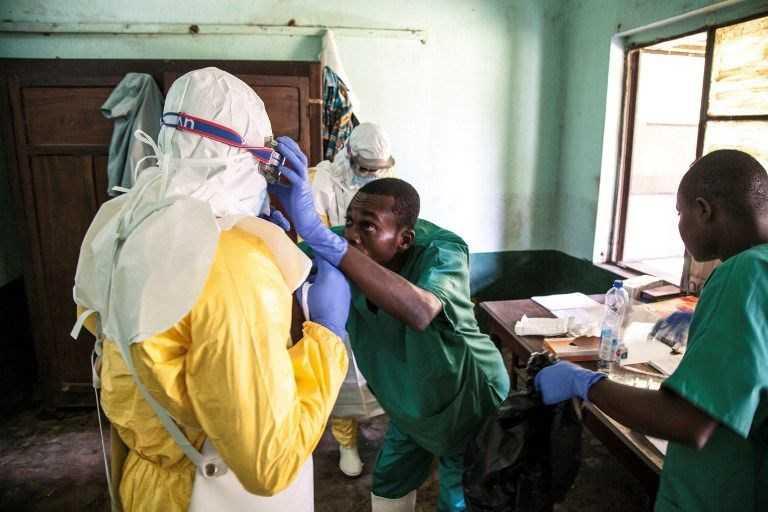 +Afrika%E2%80%99da+%C4%B1ine+ebola+salgını+hortladı:+23+%C3%B6l%C3%BC+