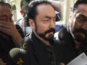 1 milyon e-postayla suikast! İşte Adnan Oktar'ın korkunç yüzü