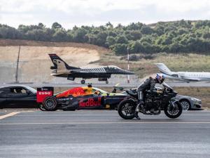 Kenan Sofuoğlu F-16'ya karşı yarıştı