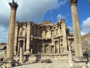 Yüzyıllarca yıl çöl kumları altında kalan antik kent Ceraş
