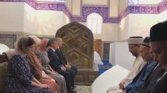 Cumhurbaşkanı Erdoğan Özbekistan ziyareti sırasında Buhara kentindeki Mir-i Arab Medresesi´ni ziyare