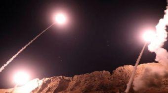 İran Devrim Muhafızları, Suriye´ye füze saldırısı düzenledi.