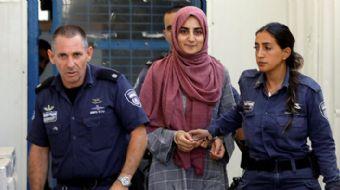 İsrail, Kudüs'ü ziyaret etmesinin ardından havalimanında gözaltına alınan Ebru Özkan'ı Hamas´a yardı