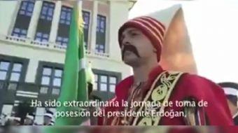 Venezuela Devlet Başkanı Nicolas Maduro, 'Selvi boylum Al yazmalım' filminin müziğiyle hazırlanan Tü