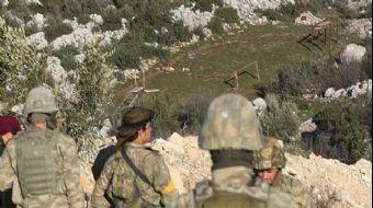 Zeytin Dalı Harekatı ile kontrol altına alınan Afrin´de arama tarama faaliyetini sürdüren Jandarma v