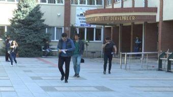 Anadolu Üniversitesi Açıköğretim Sistemi Bahar Dönemi Ara Sınavları başladı. Bu sınavda hayata geçir