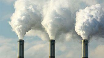 Kolombiya'nın başkenti Bogota'da yoğun hava kirliliği nedeniyle kent sakinleri uyarıldı.