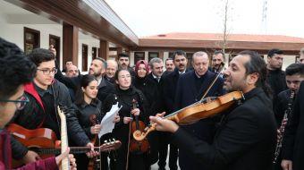 Cumhurbaşkanı Recep Tayyip Erdoğan, açılını gerçekleştirdiği '15 Temmuz Millet Bahçesi'ni gezdi. Erd