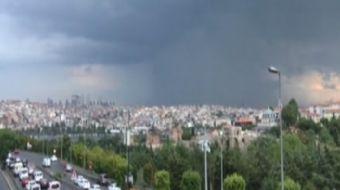 Meteoroji uyarmıştı... İstanbul´da beklenen yağış etkisini gösterdi