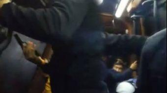 Küçükçekmece´de yolcu dolu minibüse ateş açan saldırganlara araçta bulunan polis memuru da silahıyla