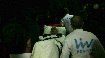 Fenerbahçe-Beşiktaş maçında çıkan olaylarda yaralanan siyah-beyazlı takımın teknik direktörü Şenol G