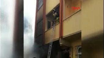 Esenyurt´ta yangın çıkan binada mahsur kalan çok sayıda kişi itfaiye tarafından kurtarıldı.