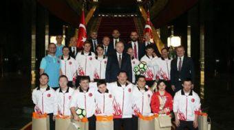 Cumhurbaşkanı Recep Tayyip Erdoğan, Down Sendromlu Özel Sporcular Futsal Milli Takımını kabul etti.
