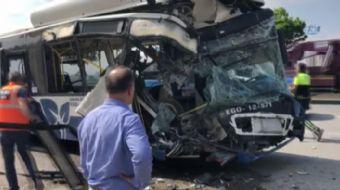 Ankara'da iki ego otobüsünün çarpıştığı kazada ilk belirlemelere göre 1 kişi hayatını kaybetti, 15 k