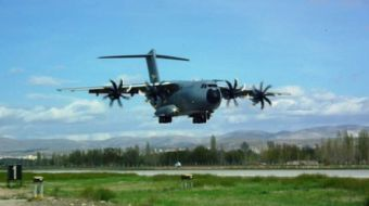 A400M ATLAS stratejik nakliye uçağı, düzenlenen törenle Hava Kuvvetleri Komutanlığı'na teslim edildi