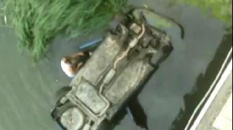 Amasya´da nehre düşen otomobildeki anne, baba ve 2 aylık bebekleri, olayı görüp suyu atlayan kişi ta