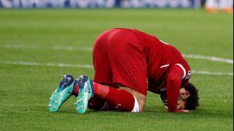 Şampiyonlar Ligi´nde Liverpool Roma karşılaşmasında İngiliz reji skandala imza atı. Muhammed Salah´ı