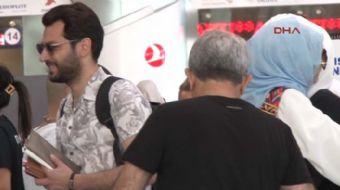 Ünlü oyuncu Murat Yıldırım Faslı eşiyle hacca gitti