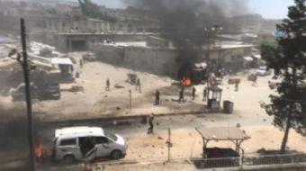 Afrin'de bomba yüklü aracın patlatılması sonucu 6 kişi öldü ve en az 20 kişi de yaralandı.