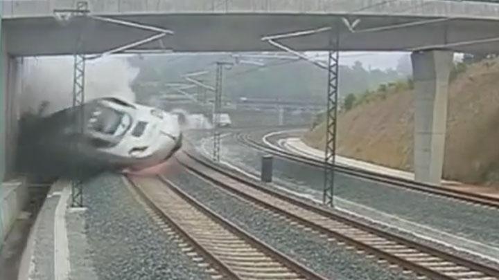 %C4%B0%C5%9Fte+%C4%B0spanya%E2%80%99daki+tren+kazas%C4%B1%21;+(video)