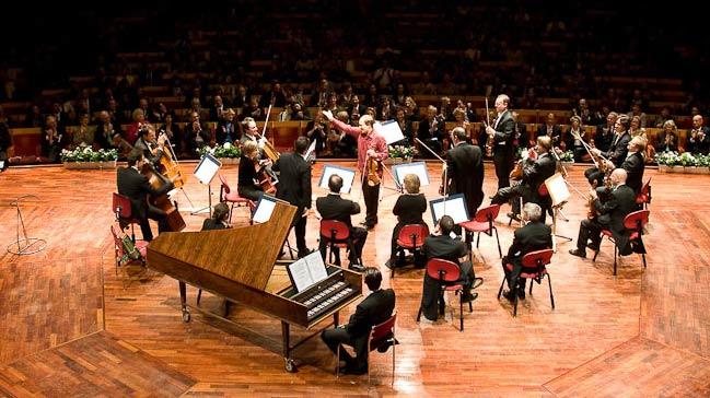 %C3%BCnl%C3%BC+orkestra+Cameristi+Della+Scala+T%C3%BCrk+m%C3%BCzisyenlerle