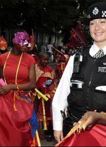Londra'nın ünlü 'Notting Hill Karnavalı' başladı