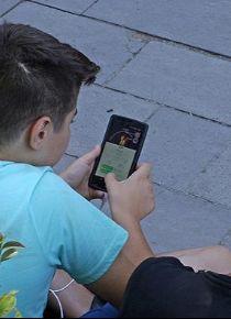 Aşırı sosyal medya kullanımı okulda başarıyı düşürebilir