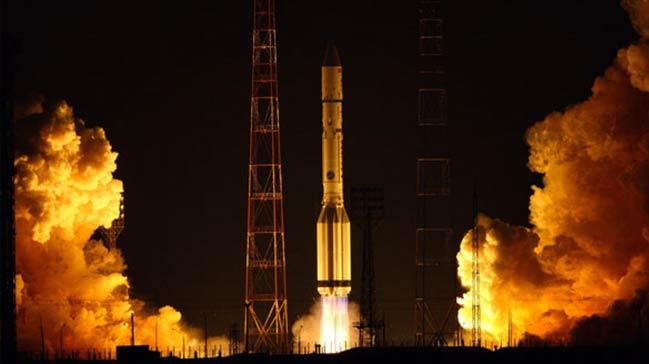 Yeni+uydular+i%C3%A7in+imzalar+at%C4%B1l%C4%B1yor