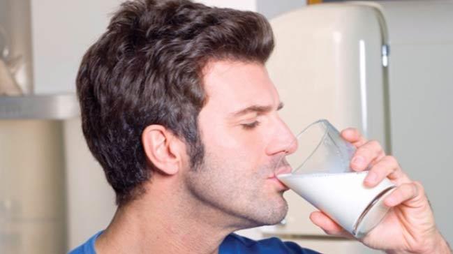 Baba olmak isteyen az yağlı süt içsin!