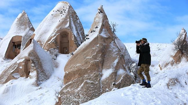 Turistler+%E2%80%99beyaz+Kapadokya%E2%80%99ya+hayran+kal%C4%B1yor