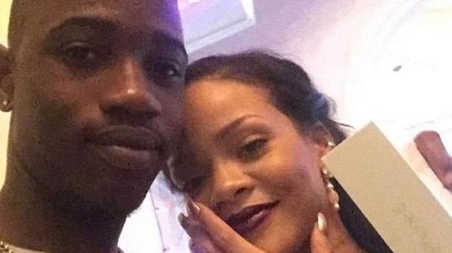 Rihanna%E2%80%99n%C4%B1n+kuzenine+silahl%C4%B1+sald%C4%B1r%C4%B1%21;