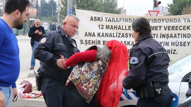 Adana%E2%80%99da+bombal%C4%B1+kad%C4%B1n+pani%C4%9Fi