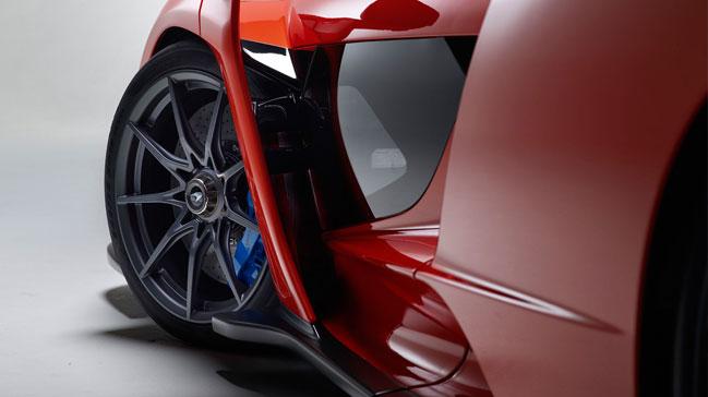 Pirelli%E2%80%99den+McLaren+Senna%E2%80%99ya+d%C3%BCnyan%C4%B1n+en+%C3%B6zel+lasti%C4%9Fi