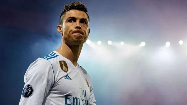 Cristiano+Ronaldo,+Real+Madrid+y%C3%B6netimine+7+futbolcu+%C3%B6nerdi%21;