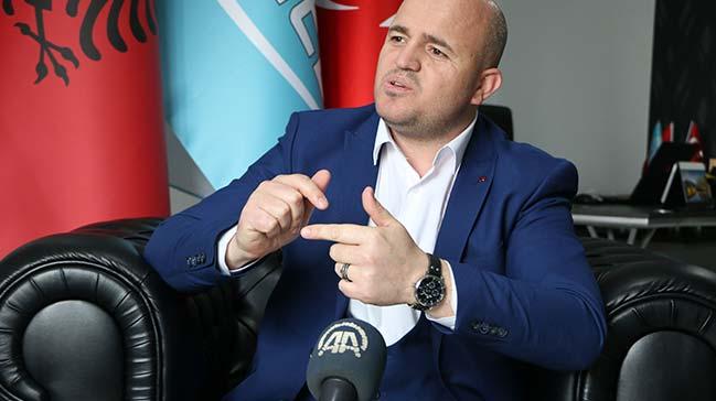 Arnavutluk+halk%C4%B1ndan+T%C3%BCrkiye%E2%80%99ye+Zeytin+Dal%C4%B1+deste%C4%9Fi:+Biz+ve+siz+biriz
