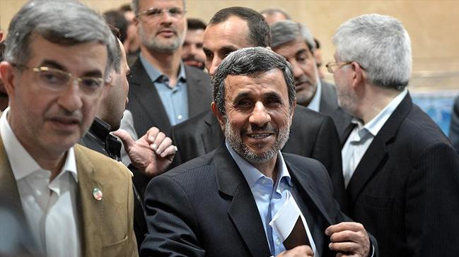 Ahmedinejad%E2%80%99%C4%B1n+yard%C4%B1mc%C4%B1s%C4%B1+Me%C5%9Fai%E2%80%99ye+g%C3%B6zalt%C4%B1++
