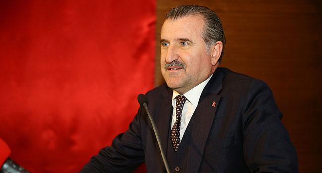 Bakan Bak'tan Galatasaray'a tebrik mesajı