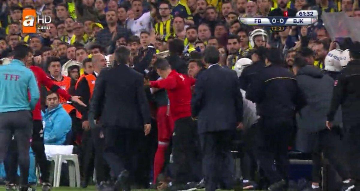 Fenerbahçe Beşiktaş maçı olayları FB BJK son dakika hükmen galibiyet var mı?
