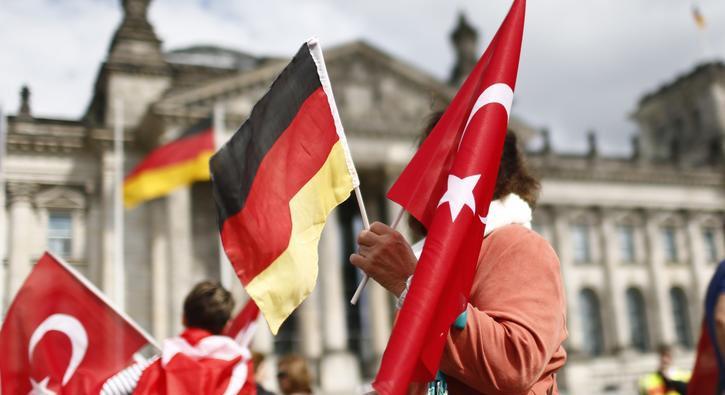 Gerilimin+g%C3%B6lgesinde+Almanya+ile+yeni+g%C3%B6r%C3%BC%C5%9Fme:+Masada+2+konu