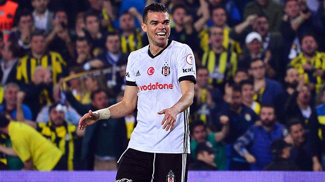 Galatasaraylı yöneticilerden Pepe isyanı!