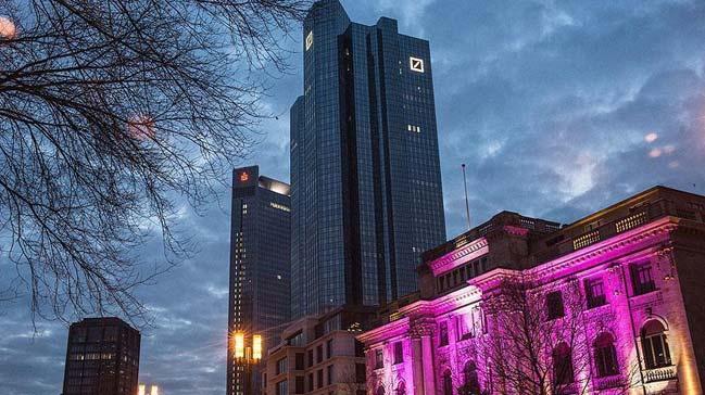 Deutsche+Bank%E2%80%99%C4%B1n+2017+y%C4%B1l%C4%B1+net+kar%C4%B1+y%C3%BCzde+79%E2%80%99luk+azal%C4%B1%C5%9Fla+120+milyon+avro+d%C3%BCzeyinde+ger%C3%A7ekle%C5%9Fti