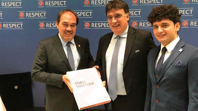 TFF, EURO 2024 adaylık başvurusu resmi teklif dosyasını UEFA'ya sundu