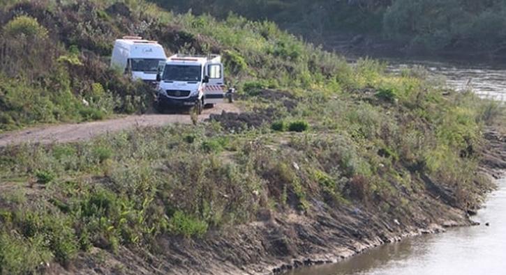 Sakarya'da arkadaşlarına kızıp aracını nehre attı