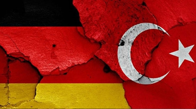 Almanya%E2%80%99da+b%C3%BCy%C3%BCme+ilk+%C3%A7eyrekte+y%C3%BCzde+0.3%E2%80%99e+yava%C5%9Flad%C4%B1