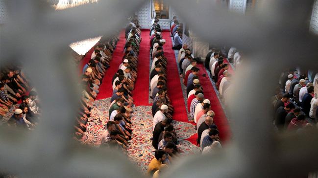 Mardin de vatandaşlar teravih namazını kılıp Kudüs için dua etti