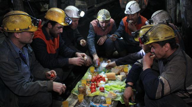 Maden ocaðýnda ilk sahur yapýldý