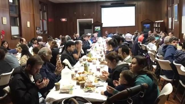 ABD'deki camilerde verilen iftarlar Müslümanlarý bir araya getirdi