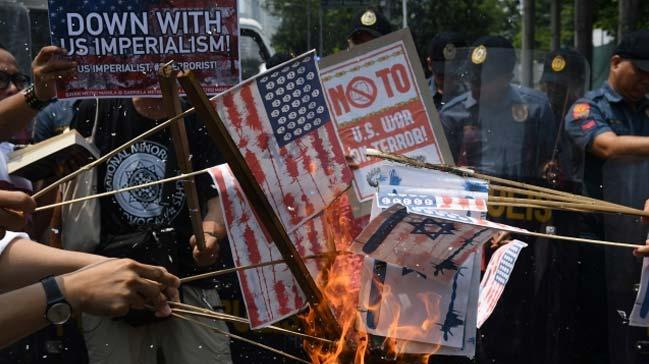 Filipinler%E2%80%99deki+M%C3%BCsl%C3%BCmanlar,+ABD%E2%80%99nin+Kud%C3%BCs+karar%C4%B1n%C4%B1+ve+%C4%B0srail%E2%80%99in+Gazze%E2%80%99deki+ter%C3%B6r%C3%BCn%C3%BC+protesto+etti